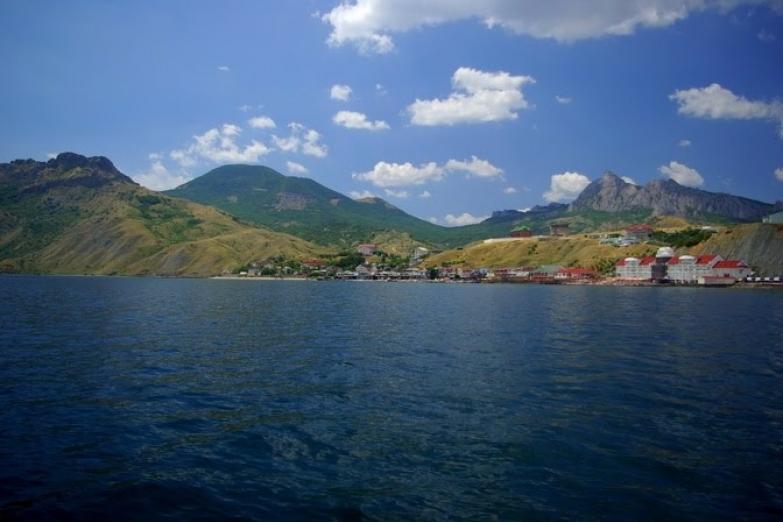 Вид на поселок с моря