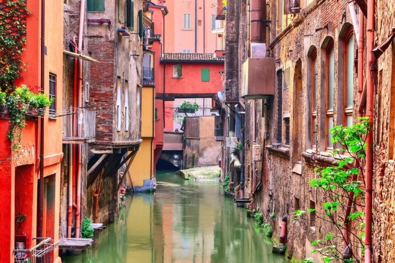 Канал в Болонье