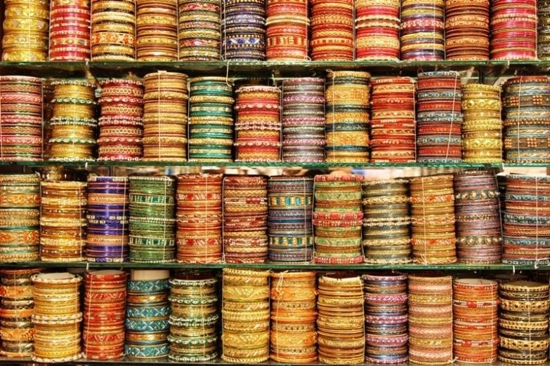 Браслеты на рынке в Маленькой Индии