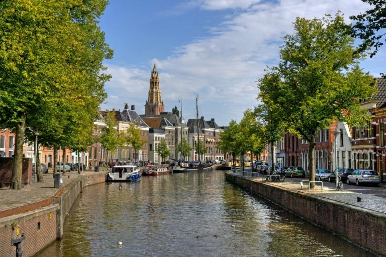 Красивый канал Гронингена