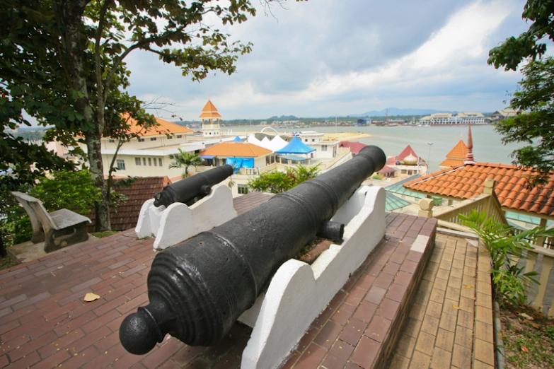 Форт Bukit Puteri в городе Куала-Тренгану