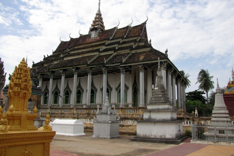 Храм Damrey Sor Pagoda (Wat Tahm Rei Saw)