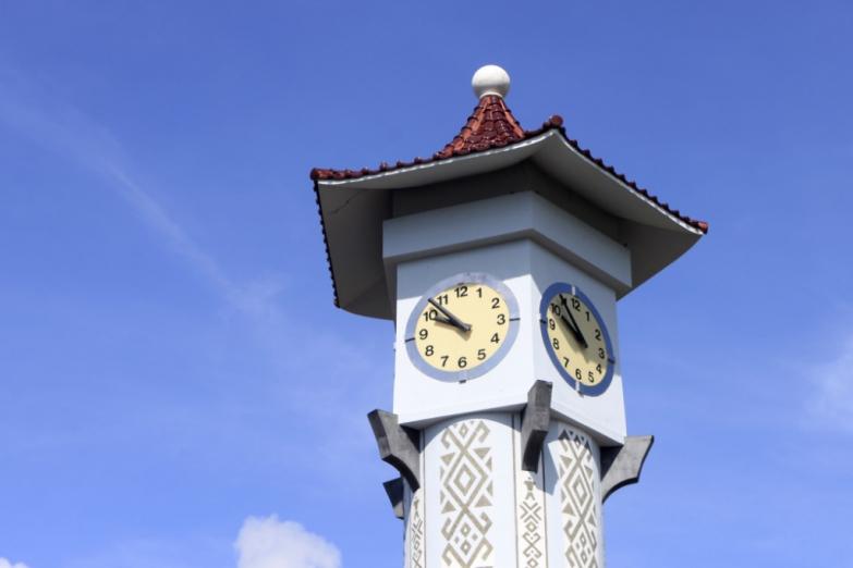 Часовая башня Аткинсона в Кота-Кинабалу на Борнео