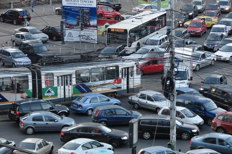 Пробки в час пик на улицах Бухареста