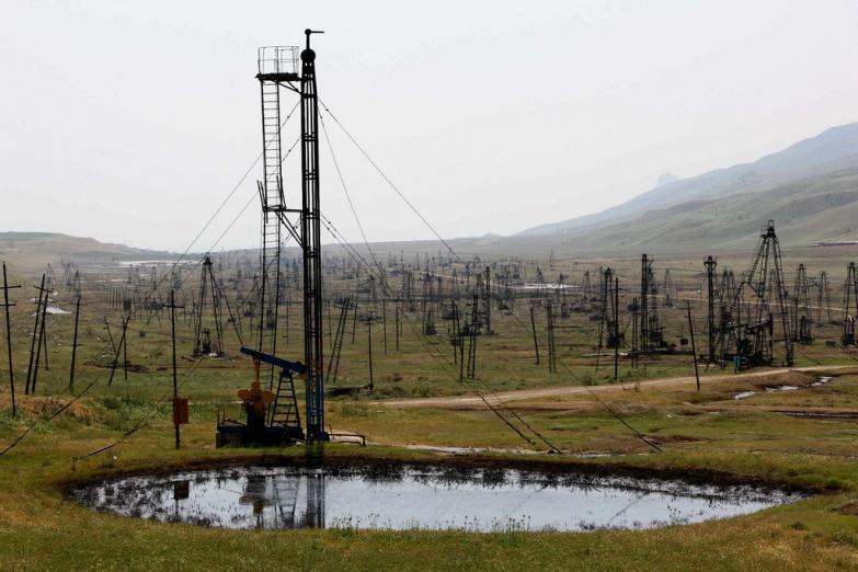 Нефтяное озеро
