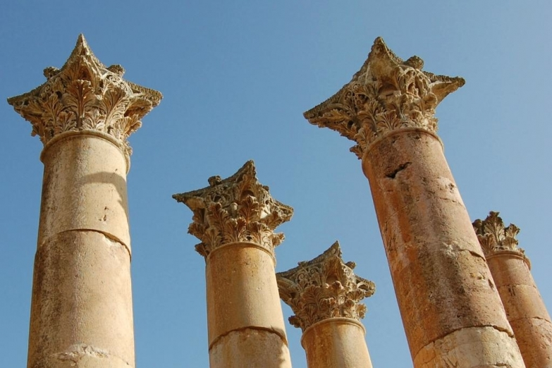 Древние колонны в Джераше