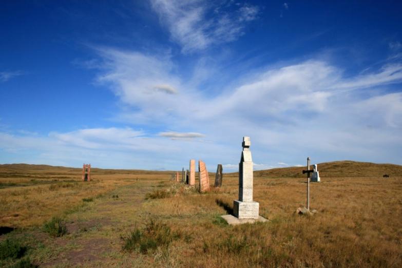 Кладбище в степи