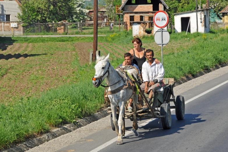 Конная повозка в румынской глубинке