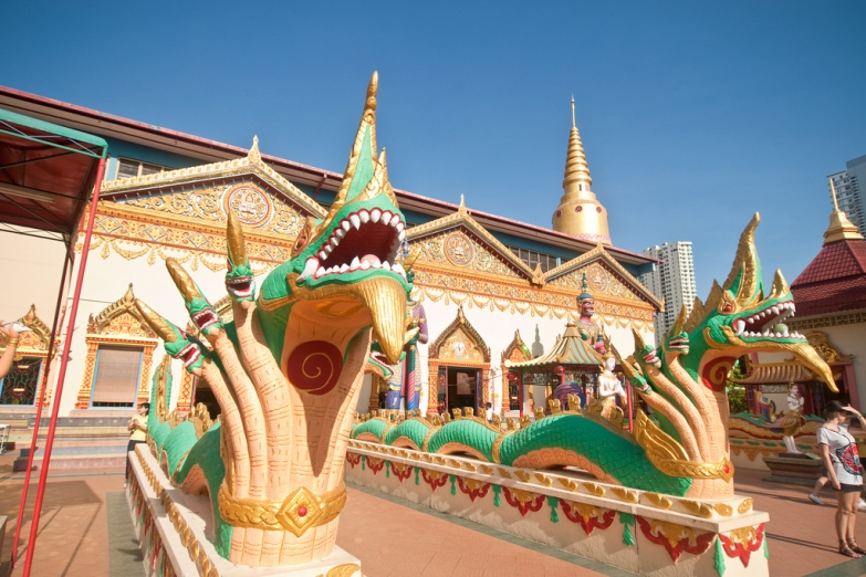 Вход в храм Ват Чайямангкаларам