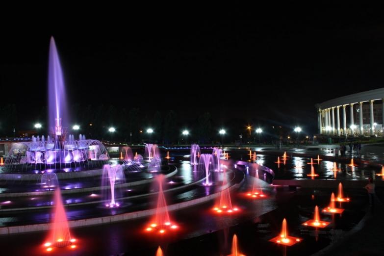 Цветные фонтаны в Алма-Ате