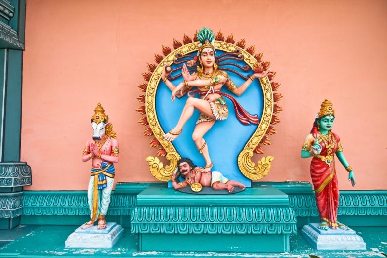 Статуя Шивы в храме Sri Aruloli Thirumurugan