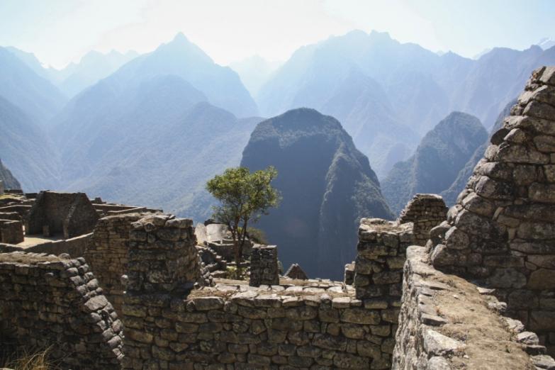 Вид на горы из Мачу-Пикчу