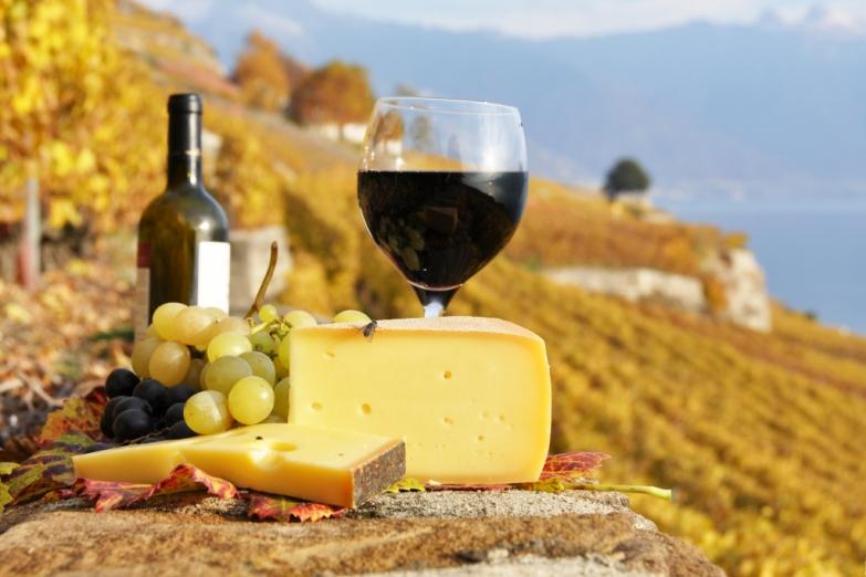 Сыр и вино - национальная гордость итальянцев