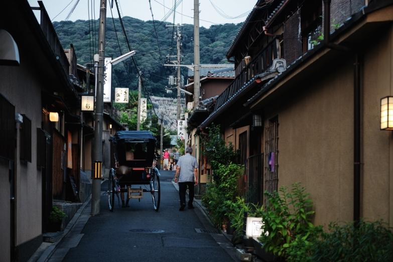 Улочки Киото - рикша в ожидании пассажиров