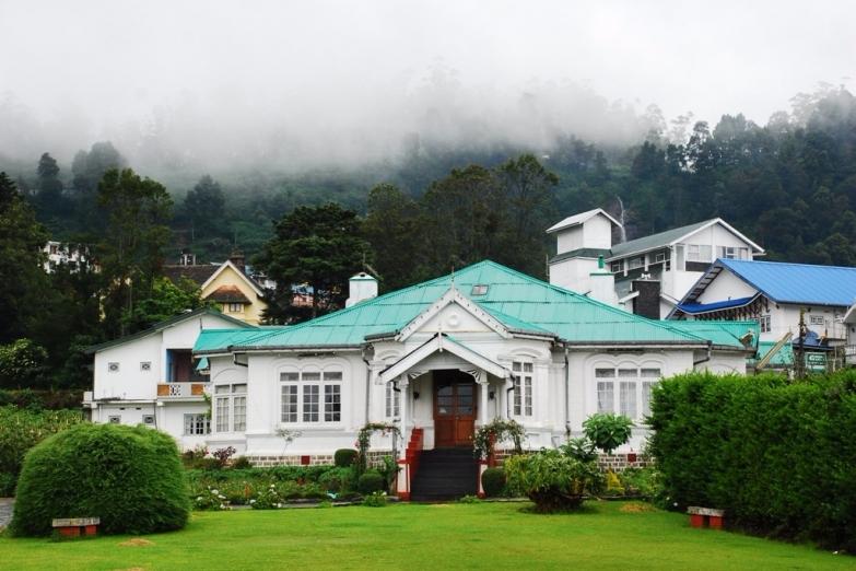 Отель в колониальном стиле