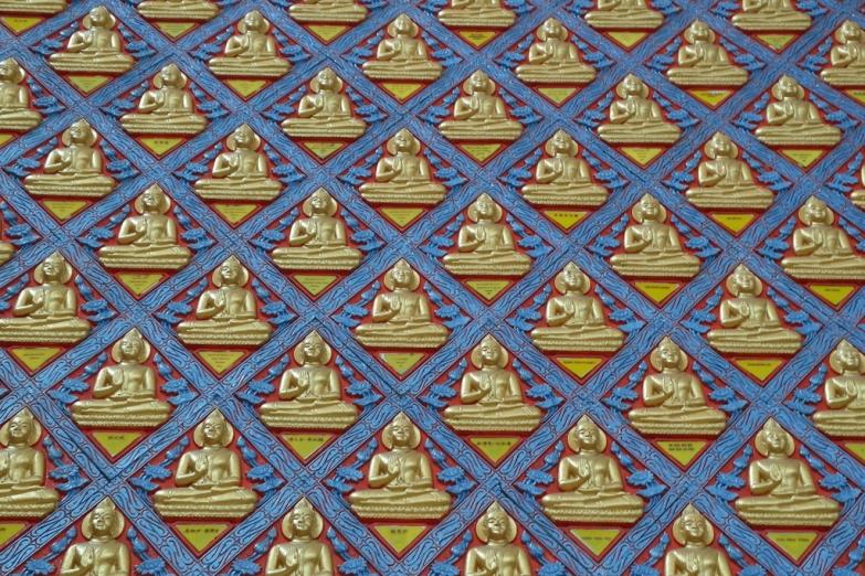 Роспись в буддистском храме Ват Чайямангкаларам