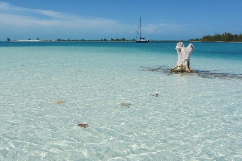 Пляж на острове Кайо-Ларго