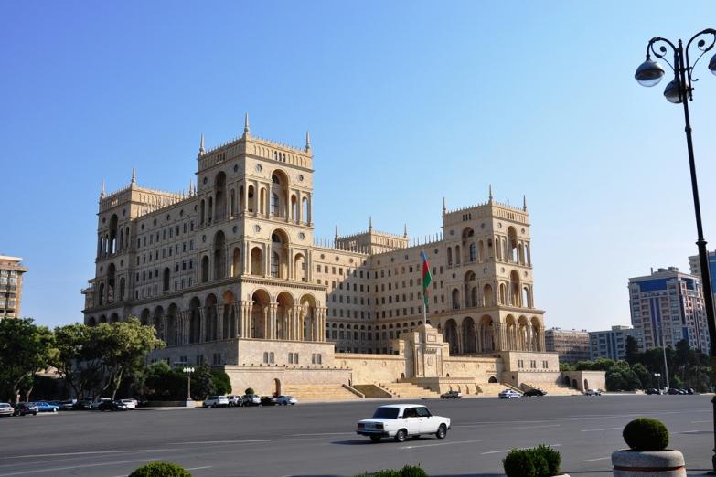 Дом Советов в Баку
