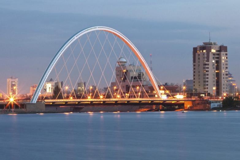 Мост через реку Ишим в Астане