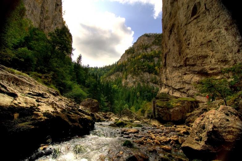 Горная река в Румынии