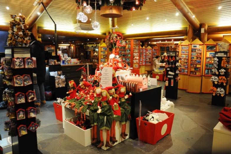 Магазин сувениров в деревне Санта-Клауса