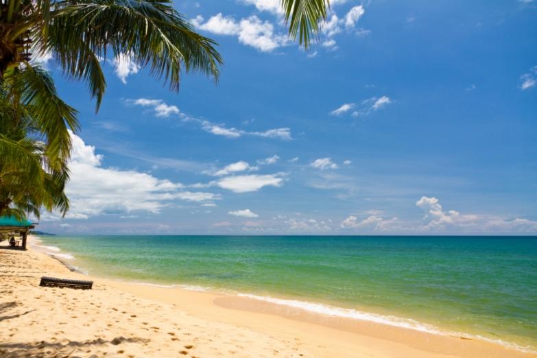 Пляж Sao Beach в лучах солнца