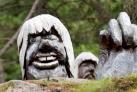 Деревянные тролли в парке Бергена