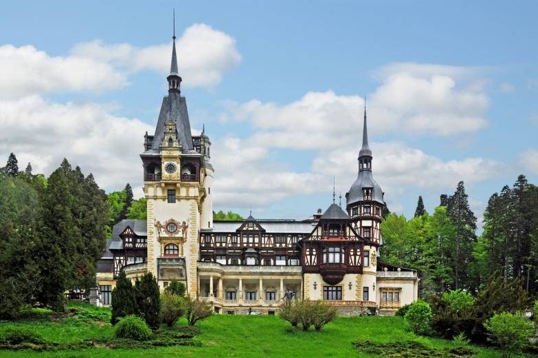 Замок Пелеш в Карпатских горах