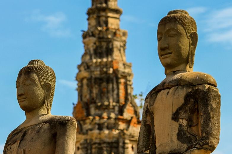 Будды в аюттайском храме Ват-Чайваттханарам