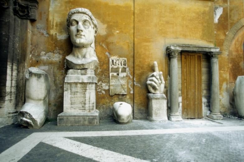На улицах Рима история оживает на глазах