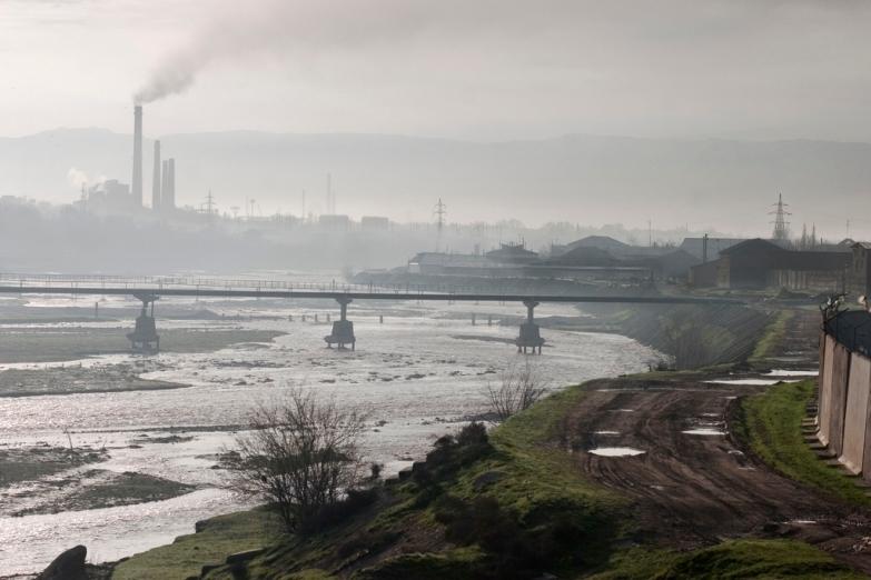 Вид на городские окраины Шымкента