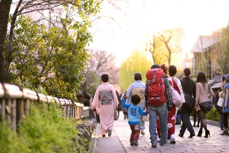 Японцы на экскурсии в Киото