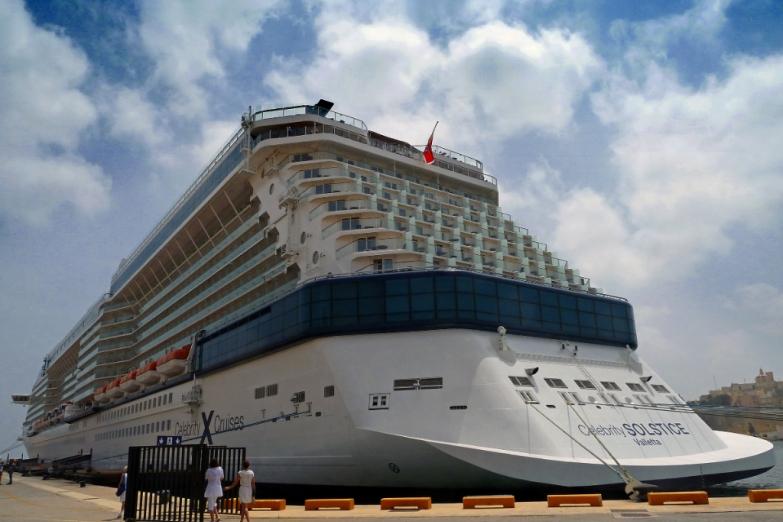 Круизный лайнер в порту Валлетты