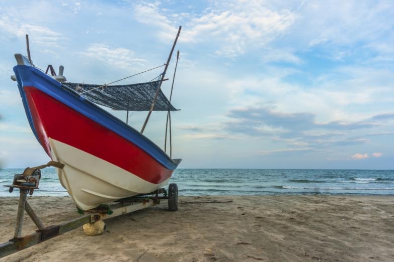 Традиционная рыбацкая лодка на Пенанге