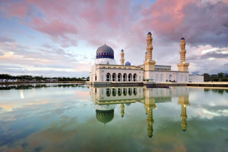 Мечеть в городе Кота-Кинабалу на Борнео