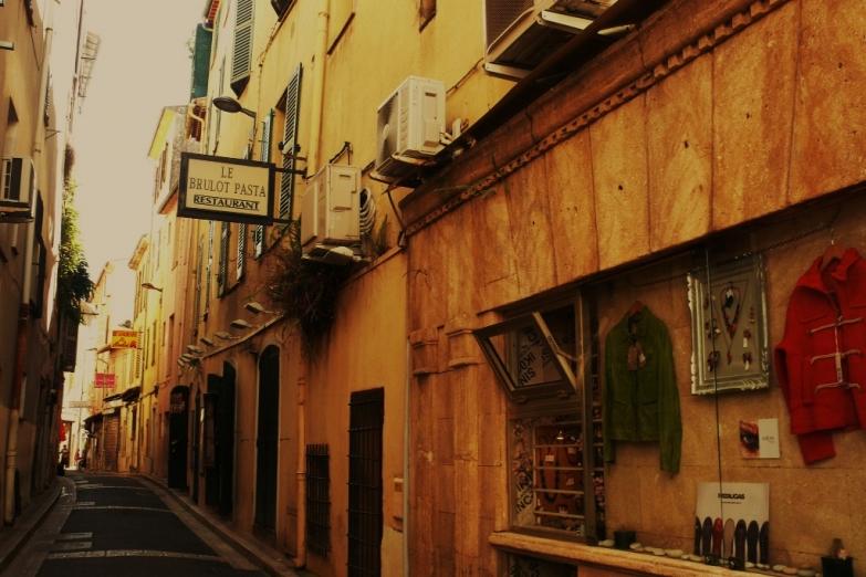 Старинные улочки Антиба