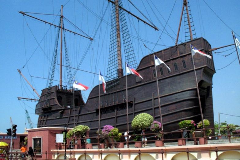 Морской музей в копии старинного судна
