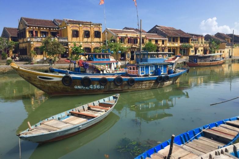 Река Тху Бон, протекающая через Хой Ан