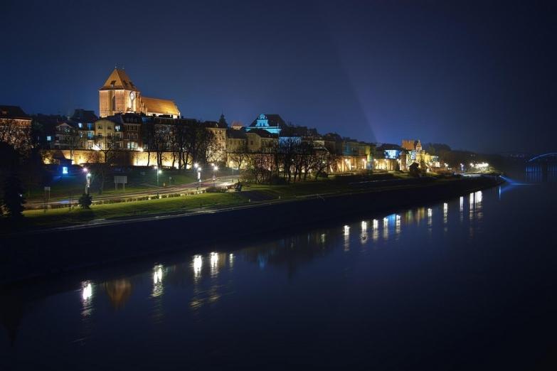 Река Висла ночью