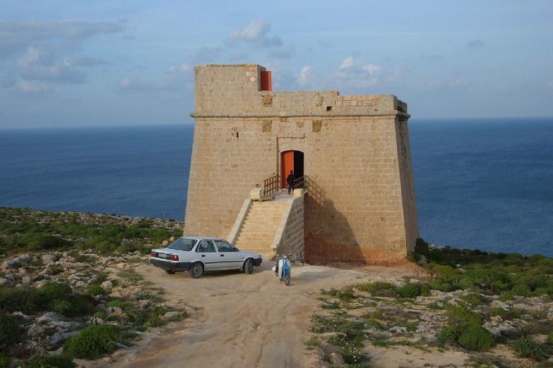 Сторожевая башня Сан Блас в заливе Дахлет Оррот