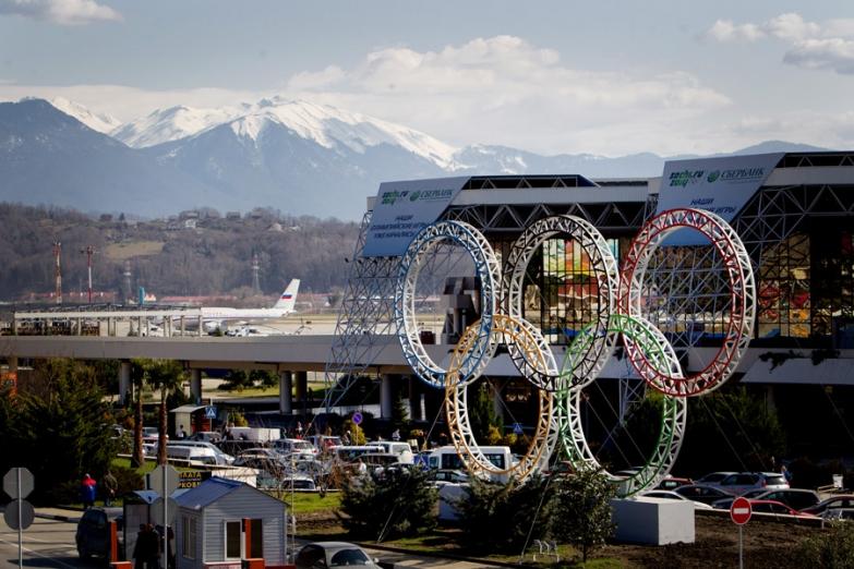 Олимпийские кольца в аэропорте