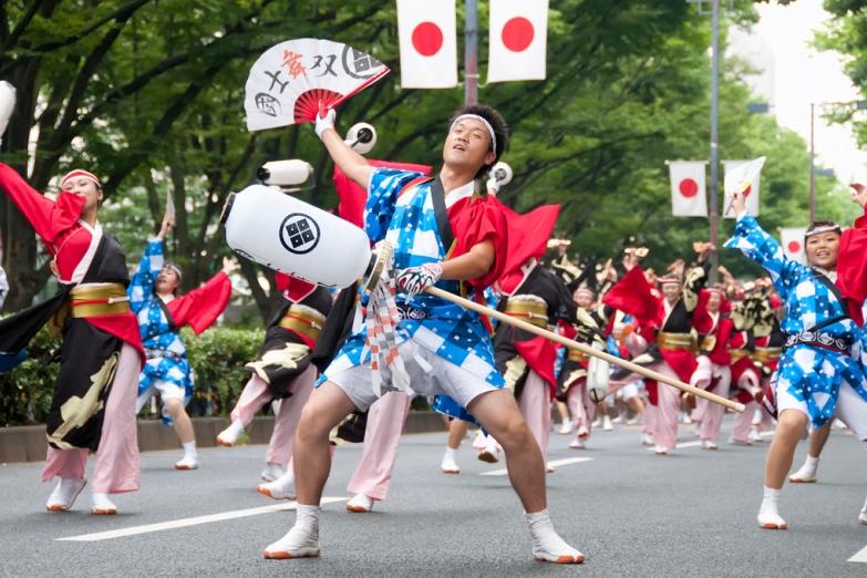 Уличный фестиваль в Токио