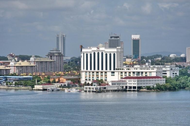 Вид на город с электростанции Сеноко