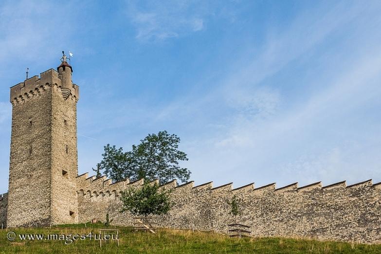 Отрезок средневековой стены Музеггмауэр в черте Люцерна