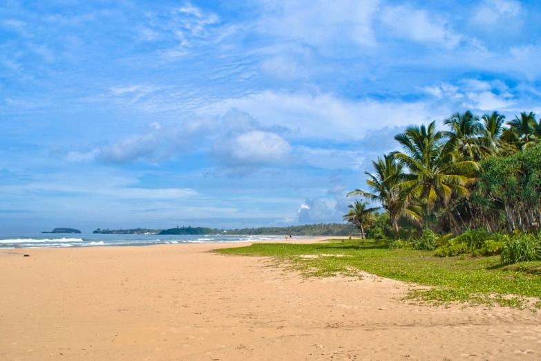 Широкая полоса пляжа