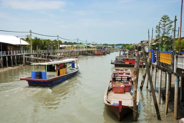 Плавучая деревня Пулау-Кетам на острове Кетам