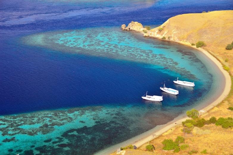 Пляж на острове Комодо