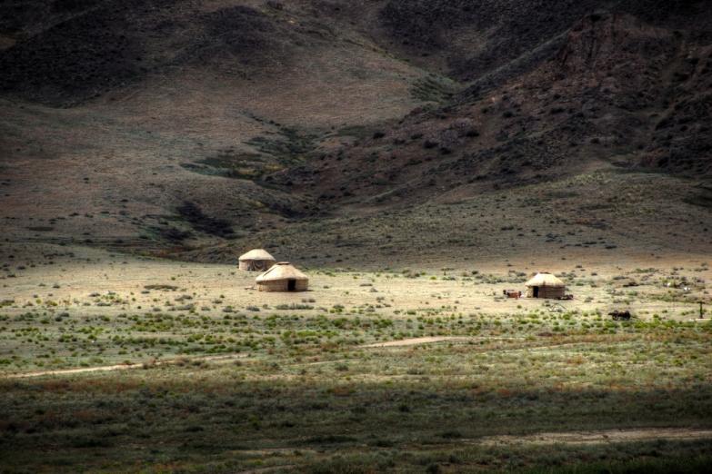 Юрты в степях Казахстана