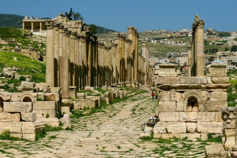 Руины древней улицы в Джераше
