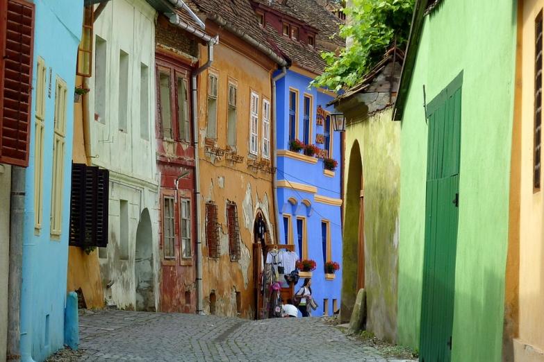 Цветные улочки в городе Сигишоара